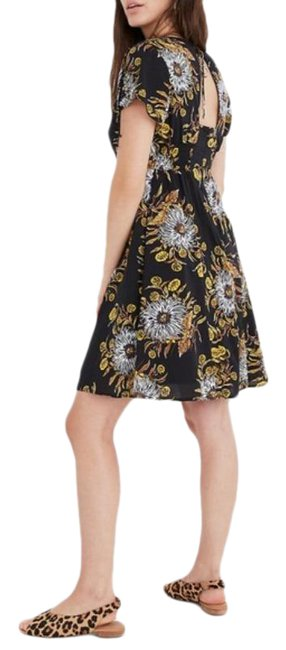 Item - Black Gold Open-back Mini In Painted Blooms Short Casual Dress Size 00 (XXS)