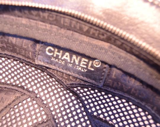 Chanel Cut Out Linen Linen Tote in Black Image 6