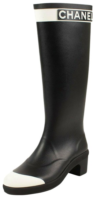 Item - Black/White Black/White High Rain 4/35 Boots/Booties Size US 4 Wide (C, D)