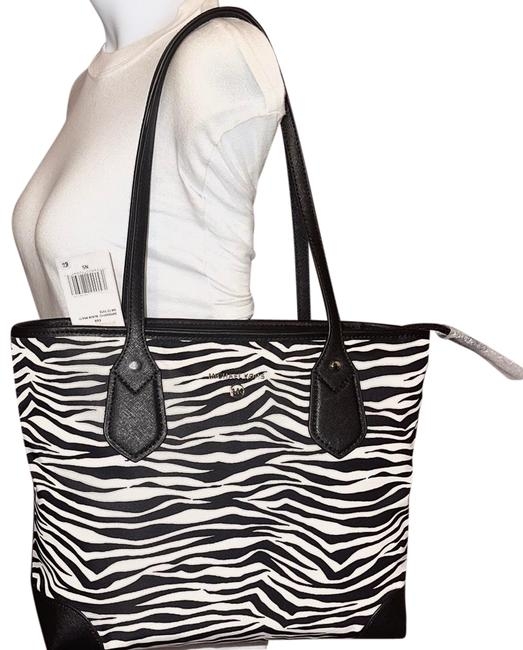 Item - Eva Zebra Small White Multi Tz Black Nylon Tote
