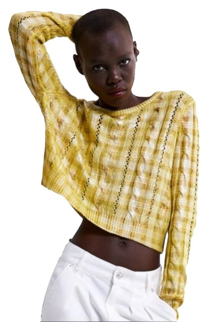 Item - Metallic Cable Knit Cropped Gold Yellow Sweater