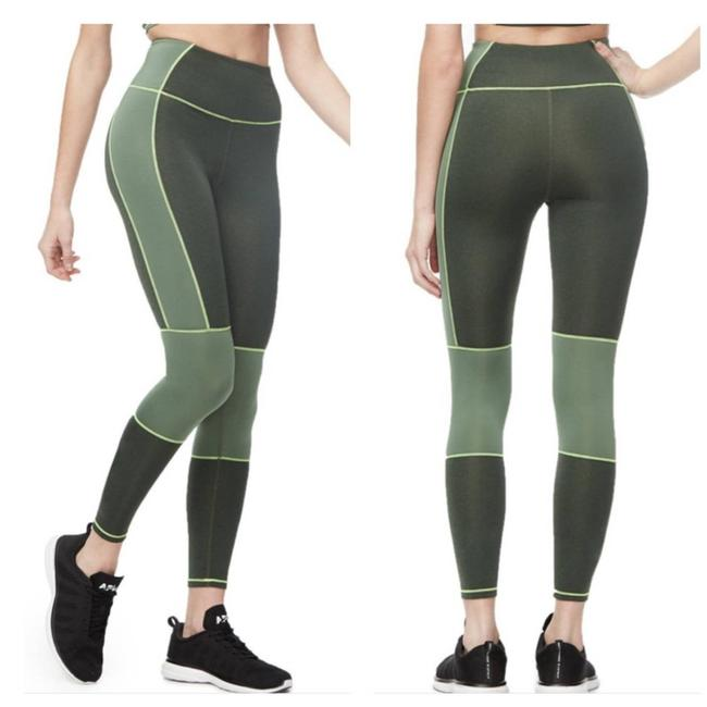 Item - Green The Dual Life 7/8 Activewear Bottoms Size 0 (XS, 25)