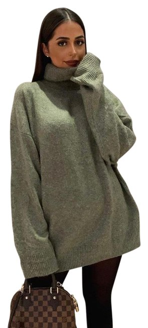 Item - L Funnel Neck Size Green Sweater