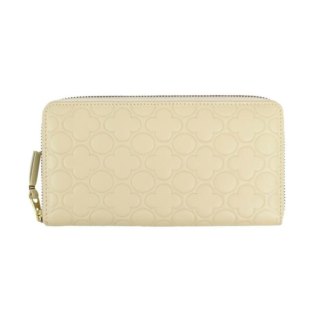 Item - Ivory Leather Clover Embossed Wallet