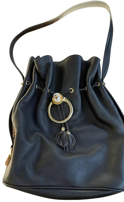 Item - Bucket Vintage Drawstring Black Leather Cross Body Bag