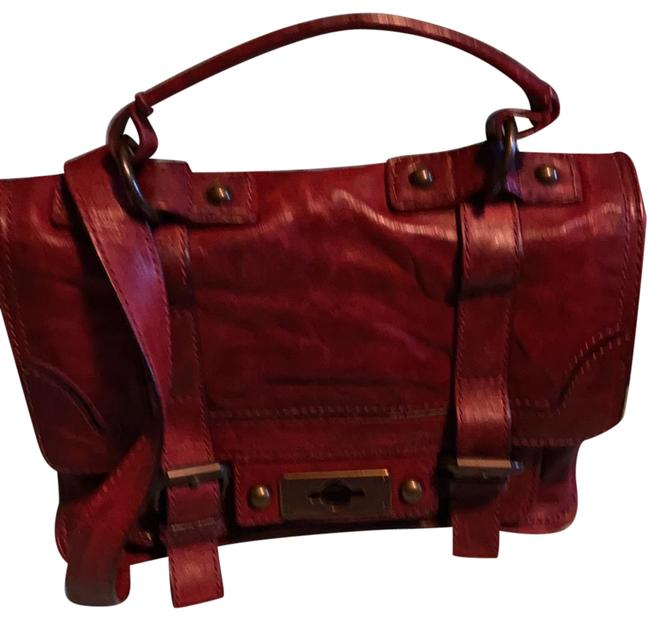 Item - Medium In Great Condition Burnt Red Leather Shoulder Bag