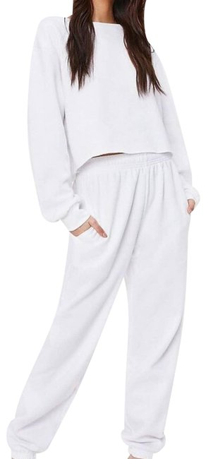 Item - White Cropped Shirt & Jogger Activewear Bottoms Size 10 (M, 31)