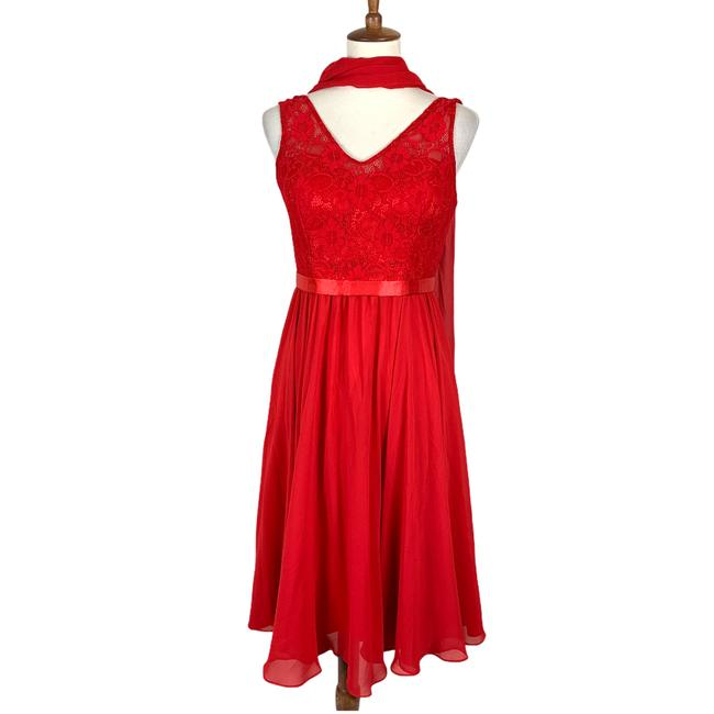 Item - Red Lace Paris Bodice Mother Of Bride Modest Bridesmaid/Mob Dress Size 10 (M)