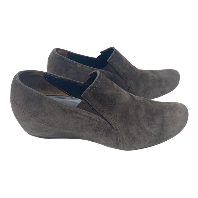 Item - Brown Suede Wedge Flats Size US 8 Regular (M, B)