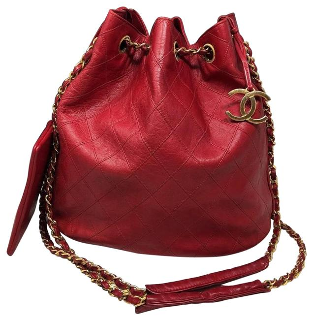 Item - Chain Bucket Vintage Cc Quilted Red Lambskin Leather Shoulder Bag
