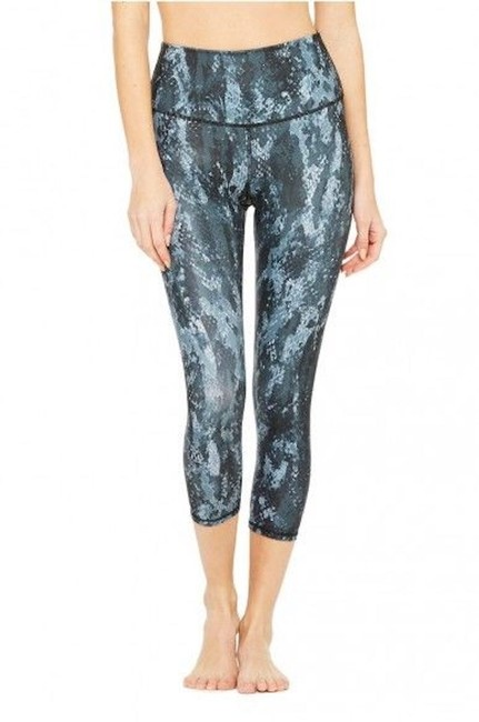 Item - Blue Airbrush Snake Print Activewear Bottoms Size 4 (S, 27)