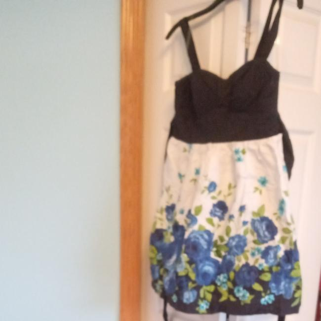 Item - Navy Blue W Blue and Green 7 Short Casual Dress Size 8 (M)