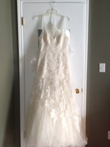Enzoani Ivory Blue Cincinnati Traditional Wedding Dress Size 10 (M)