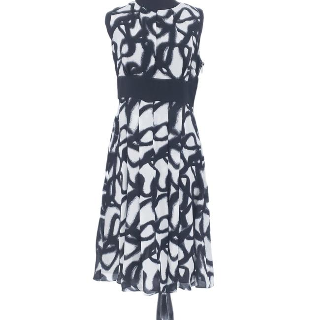Item - Black Silk Swirl Print Sleeveless Flowy A Line Mid-length Night Out Dress Size 6 (S)