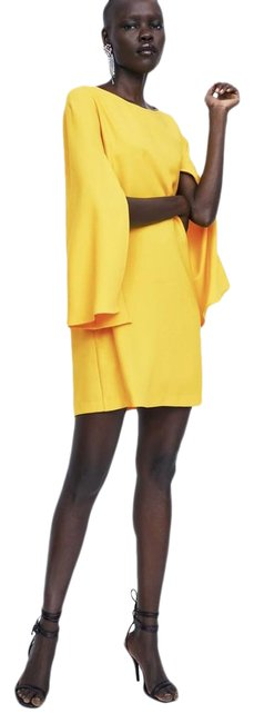 Item - Yellow Cape Sleeve Short Cocktail Dress Size 0 (XS)