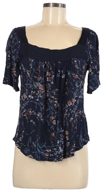 Item - Blue Floral Pleated 3/4 Sleeve Blouse Size 10 (M)