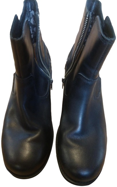 Item - Black Boots/Booties Size US 7 Regular (M, B)