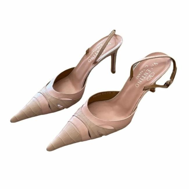 Item - Pale Pink Embossed Leather Pointed-toe Pumps Size EU 39 (Approx. US 9) Regular (M, B)