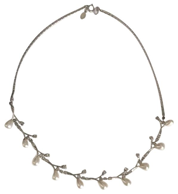 Item - Faux Pearl Necklace