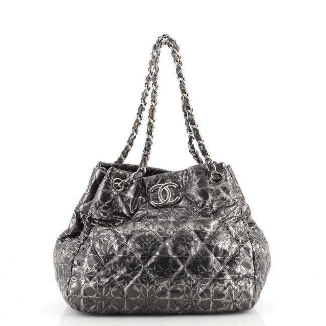 Item - Rock In Moscow Accordion Quilted Medium Gray Print Nylon Tote