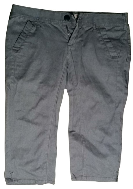 Preload https://item2.tradesy.com/images/free-people-gray-capris-size-8-m-29-30-28936-0-0.jpg?width=400&height=650
