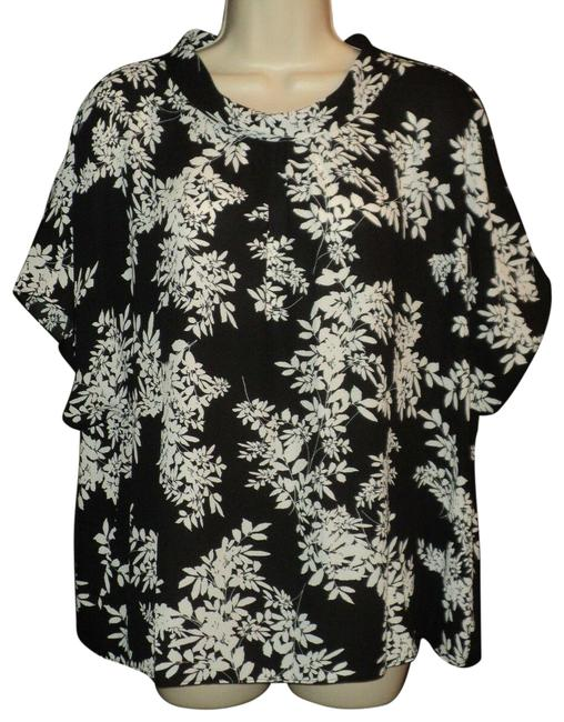 Item - Black & Cream Loose Turtleneck with Floral Short Sleeves Blouse Size 16 (XL, Plus 0x)
