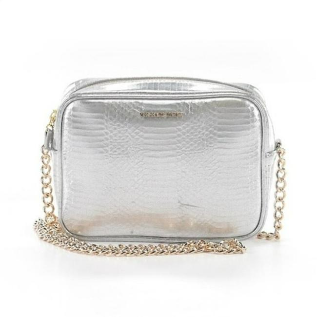 Item - Leather Snakeskin Chain Silver and Gold Fox Fur Cross Body Bag