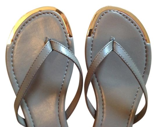 BLUE SAKS 5th AVE Taupe & Gold tone Sandals