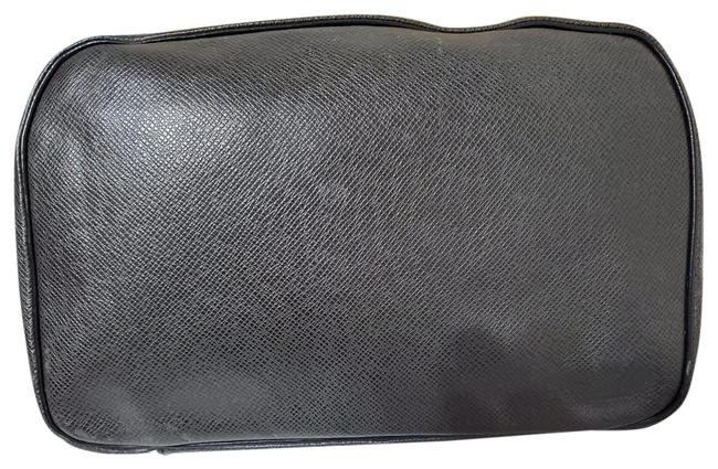 Item - Toiletry Pouch Taiga Gm Black Leather Wristlet