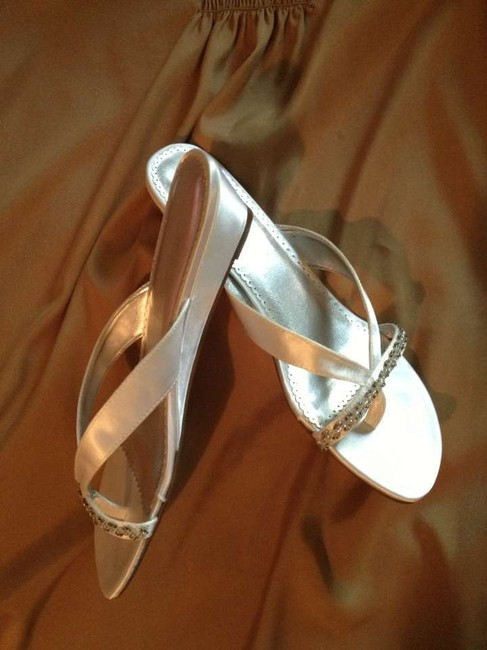 Item - Ivory Kyra Satin Slippers Sandals Size US 9