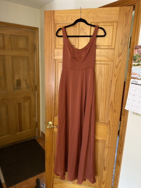 Item - Cinnamon Polyester Crepe-back Satin Scoop Tank Formal Bridesmaid/Mob Dress Size 0 (XS)