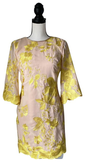 Item - Yellow & Nude Floral / Small Short Cocktail Dress Size 4 (S)