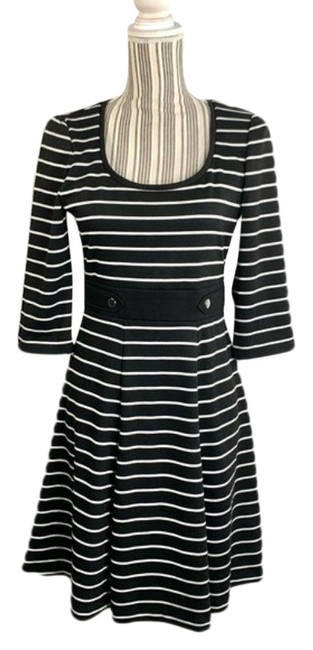 Item - Striped Mid-length Short Casual Dress Size 4 (S)