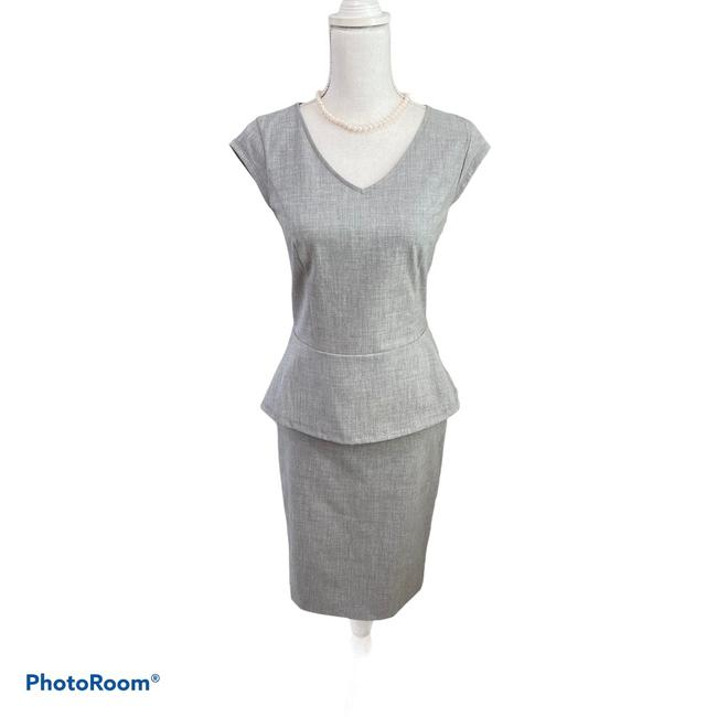 Item - Gray Collection Skirt Suit Size 2 (XS)
