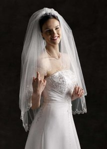 David's Bridal Ivory Short Fingertip Two-tier - Scallop Edge Bridal Veil