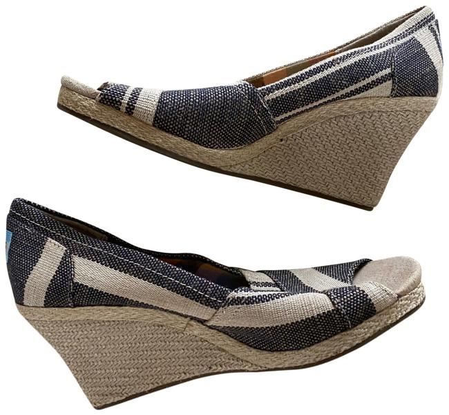 Item - Gray and White Striped Espadrille Wedges Size US 7.5 Regular (M, B)