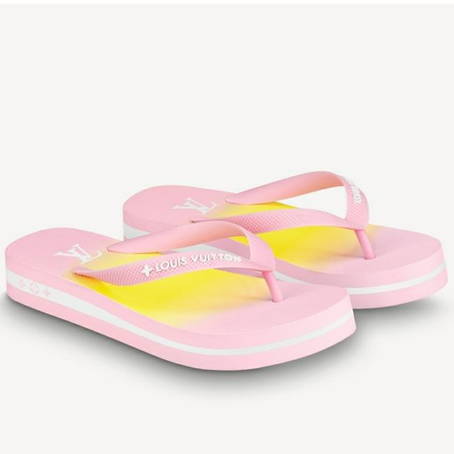 Item - By Pool Flat Song Flip Flop Pink Rubber 1 Inch Wedge Sandals Size US 11 Regular (M, B)