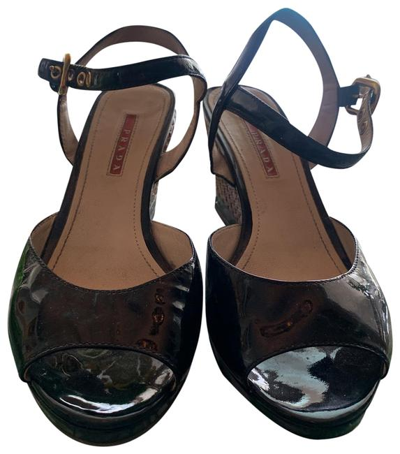Item - Black and Tan Wedges Size US 8 Regular (M, B)