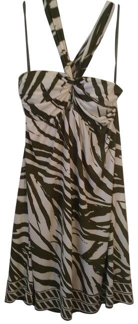 Item - Green Backless Tie Neck Beige Short Casual Dress Size 8 (M)