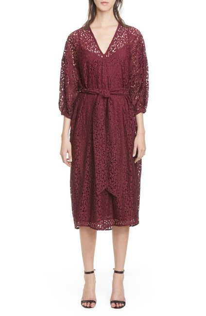 Item - Red Lace V-neck Mid-length Cocktail Dress Size 4 (S)
