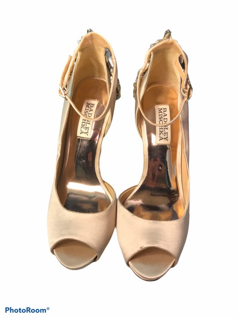 Item - Nude Karson Embellished -nwot Pumps Size US 6 Regular (M, B)