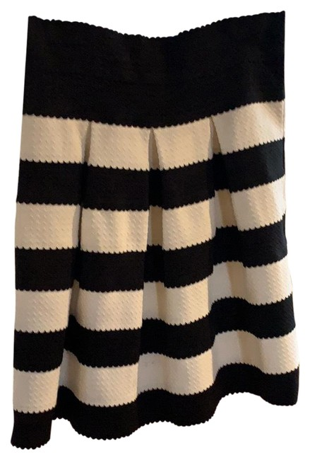 Item - Black and White Party Skirt Size 2 (XS, 26)