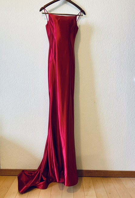Item - Berry Red Long Formal Dress Size 2 (XS)