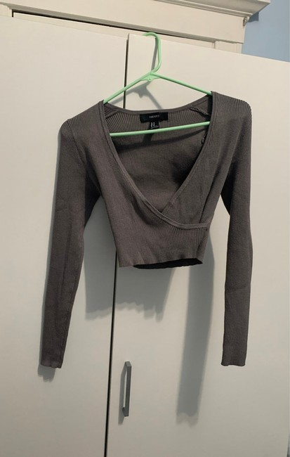 Item - Long Sleeve Crop Top Cargo Jeans Size 24 (0, XS)