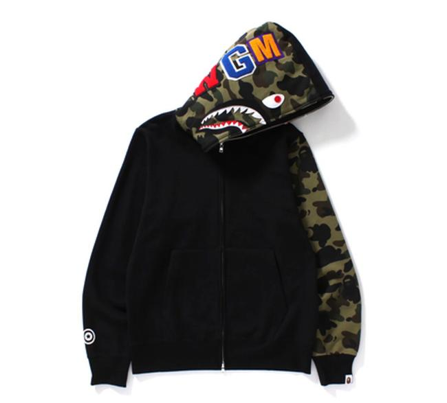 Item - Black Full Camo Sleeve Sweatshirt/Hoodie Size 8 (M)