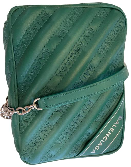 Item - With Green Leather Cross Body Bag