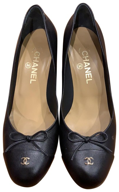Item - Black Pumps Size EU 39.5 (Approx. US 9.5) Regular (M, B)