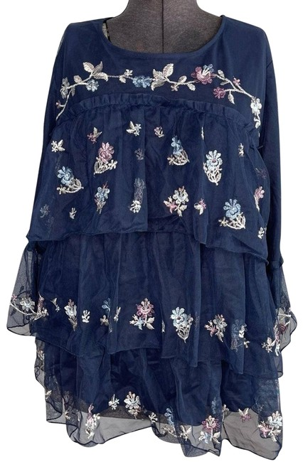 Item - Blue Floral Mesh Sleeve Embroidery Blouse Size 16 (XL, Plus 0x)