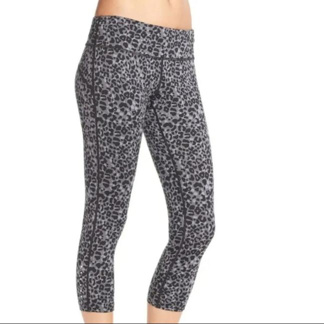 Item - Black/Reflective Silver Dri-fit Lotus Epic Run Printed Cropped Leggings Activewear Bottoms Size 4 (S, 27)