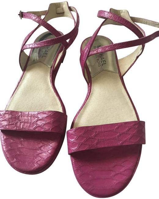 Item - Pink Sandals Size US 6.5 Regular (M, B)